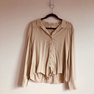 ( NWOT )  Cloth & Stone Front Button Top